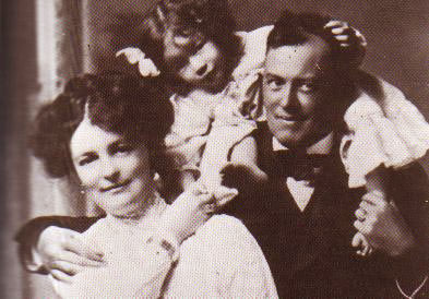 Photo Scrowley Family, Aleister Crowley
