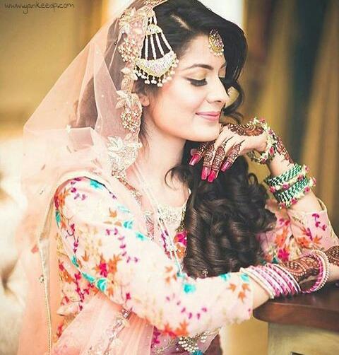 bridel in weddingdress dp