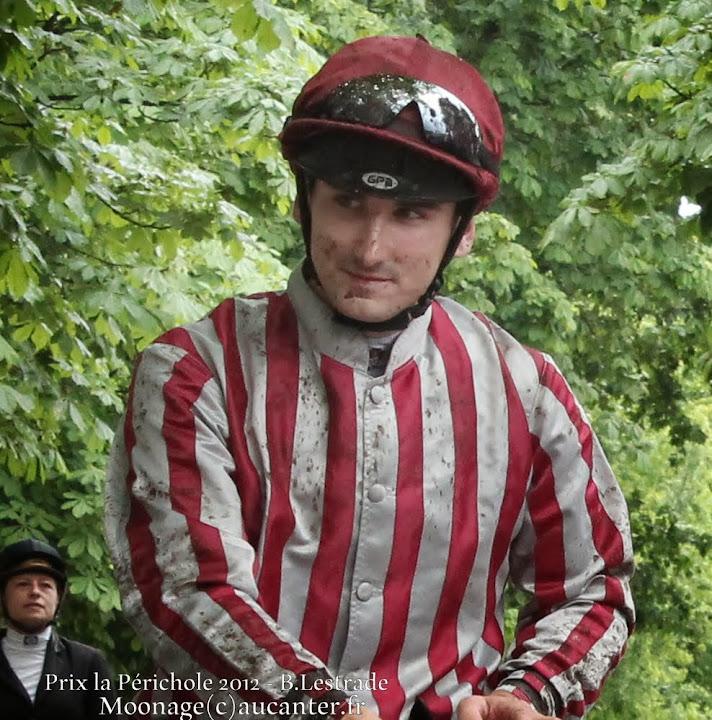 Jockeys' attitudes IMG_4427