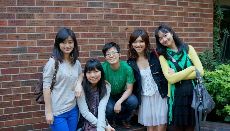2012-10 Chinglish - 622197_10151194876499844_866799894_o.jpg
