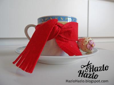 Cómo decorar tazas con bufandas.