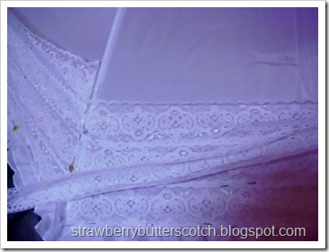 Applying Lace to Umbrella