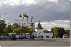 5 pskov le kremlin vu de la place lenine