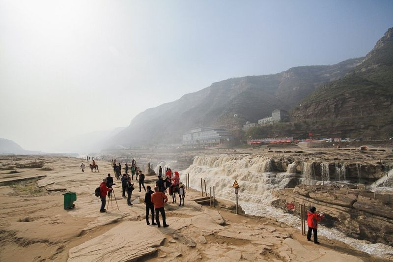 hukou-waterfall-6