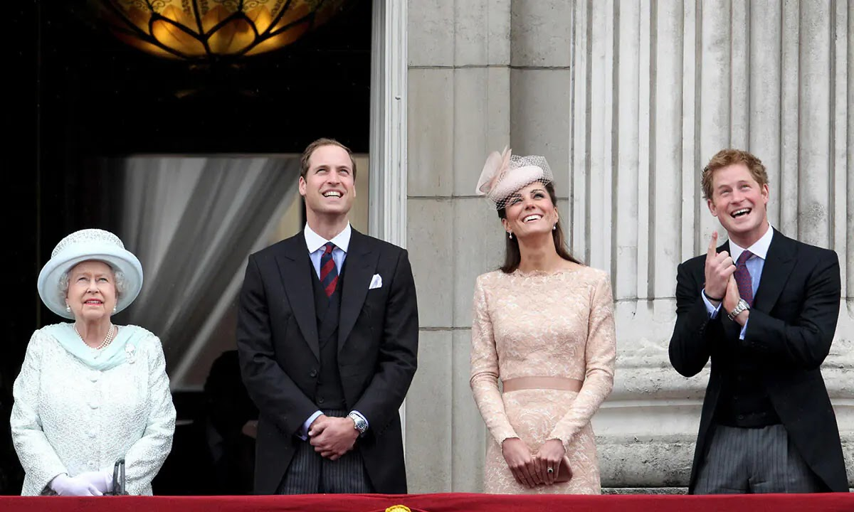 The Queen has the Sweetest Pictures of William, Kate and Harry at Windsor Castle