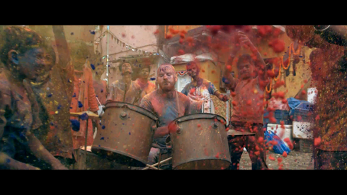 coldplay hymn for the weekend music video3