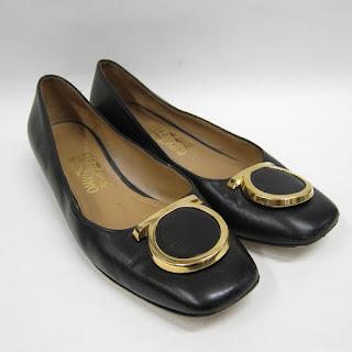 Salvatore Ferragamo Gold Logo Toe Flats