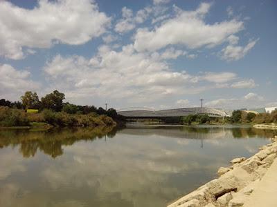 Ebro, Pabellón Puente, Puente de  Zaha Hadid en Zaragoza