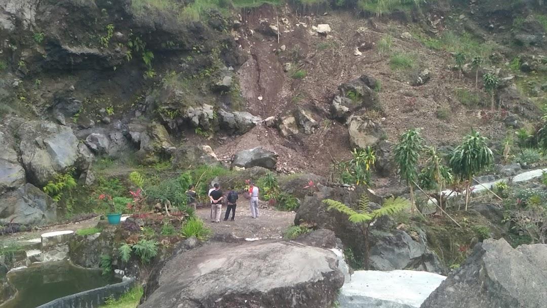 Taman Batu Hanjuang Tujuan Wisata
