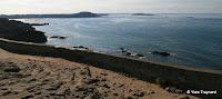 Pointe du Décollé : Plage de Longchamp, au loin le Cap Fréhel