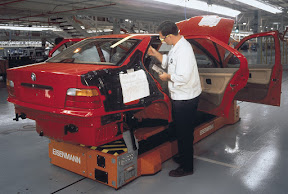 BMW E36 on production line
