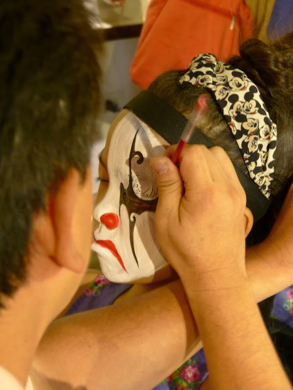 Taipei. Maquillage au Thinker s theater à Di Rua jie 迪化街 - maquillage1%2B037.JPG