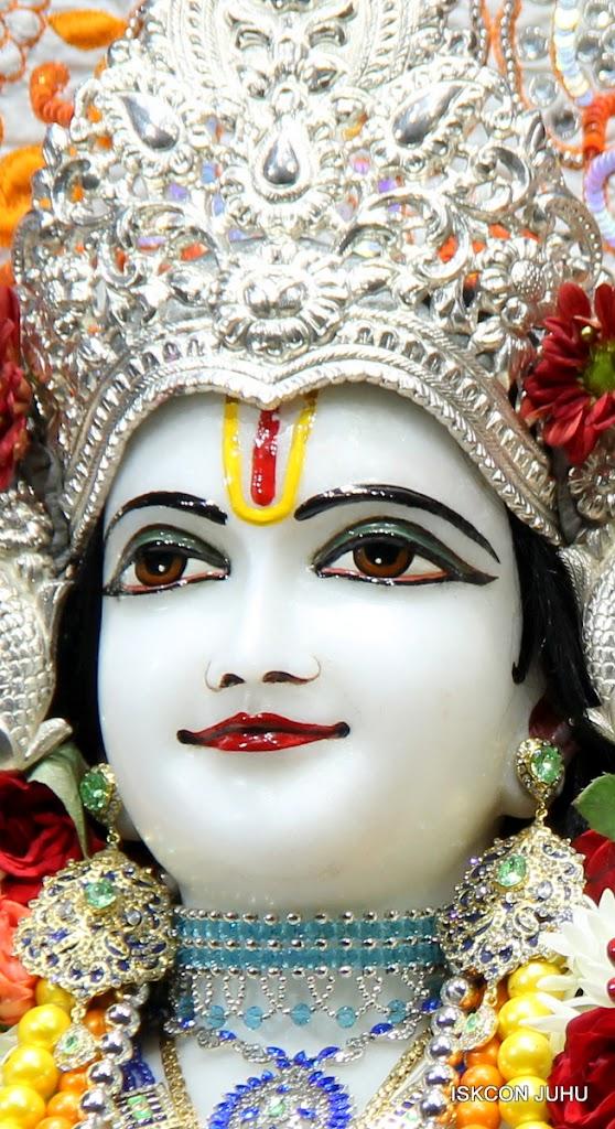 ISKCON Juhu Sringar Deity Darshan on 11th Aug 2016 (27)