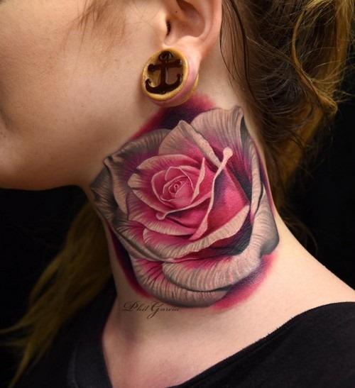 este_fenomenal_pescoço_de_rose_tattoo