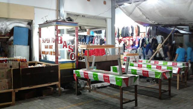 Warung Bakso Selalu Habis Terjual Dalam Waktu Satu Jam
