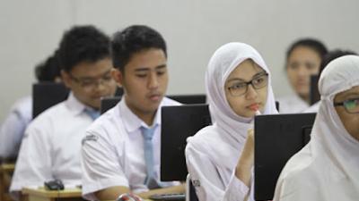 Ridwan Kamil soal SMAN 2 Bekasi Tatap Muka saat Orientasi: Harusnya Dilarang