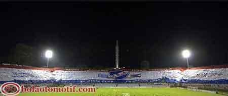 banner fans suporter sepak bola Nacional