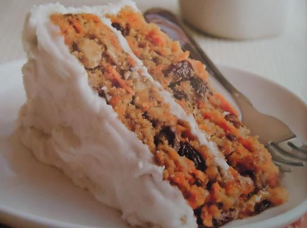 Moist & Delicious Gluten-free Carrot Cake Recipe