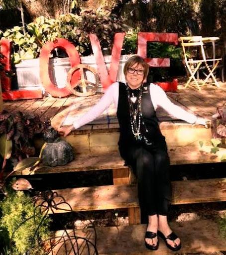 Donna Dowless, Heart Artist