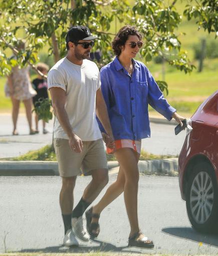 Zac Efron está apaixonado por Vanessa Valladares