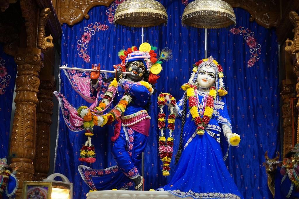 ISKCON Noida Deity Darshan 03 Feb 2016 (3)