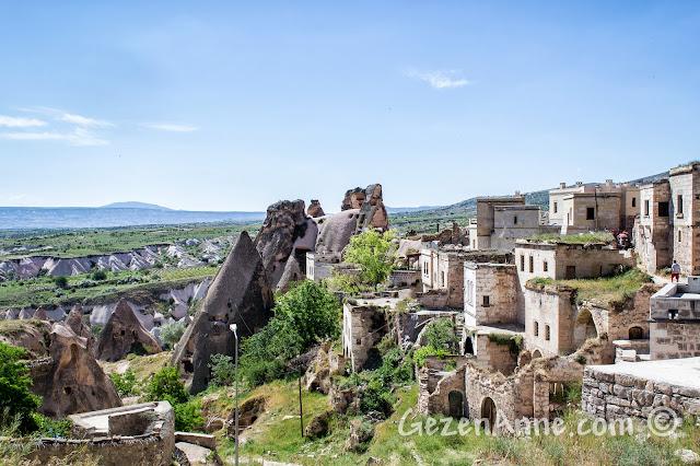Kapadokya'da Uçhisar şehri
