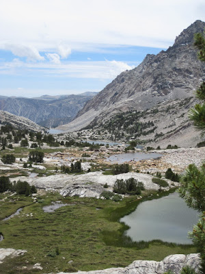 The small alpine ponds above the lake were charming  ©http://backpackthesierra.com