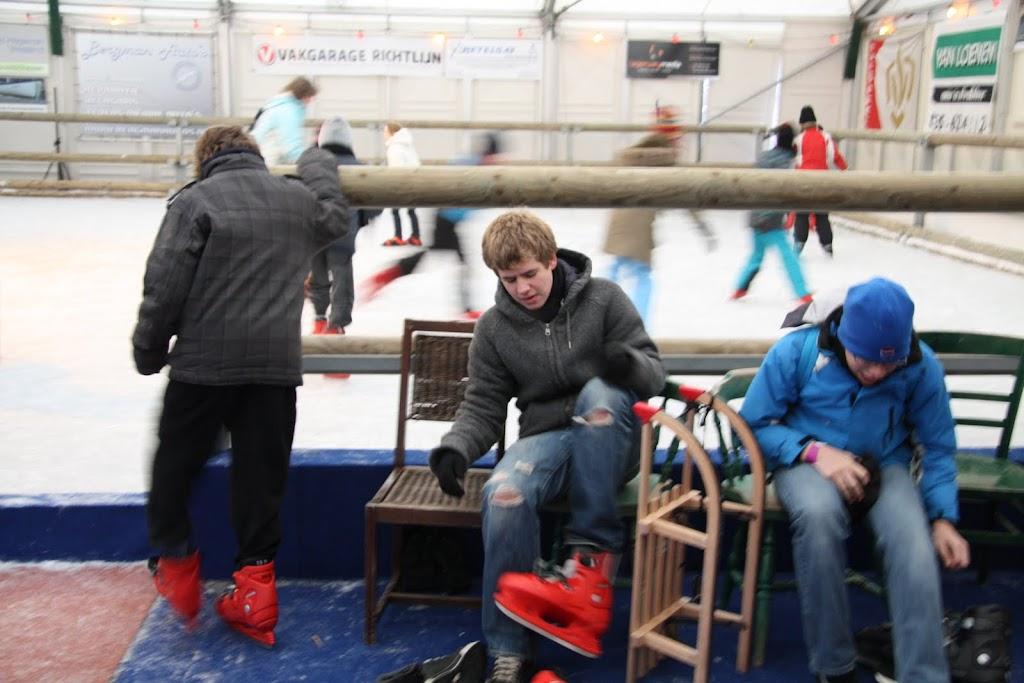 Sinterklaas bij de schaatsbaan - IMG_0289.JPG