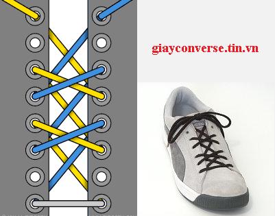 Cách buộc dây giày Converse kiểu thắt chéo kép