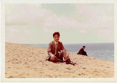 1966-05-16-鳥取砂丘にて(父).jpg