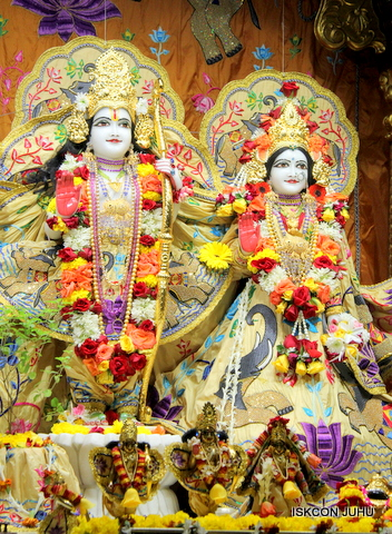 ISKCON Juhu Sringar Deity Darshan on 5th Sep 2016 (15)