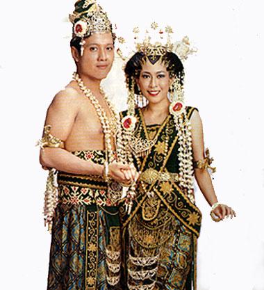 Contoh Upacara Adat Bali Orang Minangkabau Wikipedia Bahasa Indonesia Digunakan Saat Upacara Adat Upacara Perkawinan Dan Saat Memperagakan