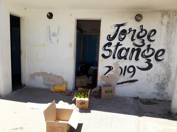 Robaron mercaderia destinada para armar más de 200 bolsones de alimentos en Vgg