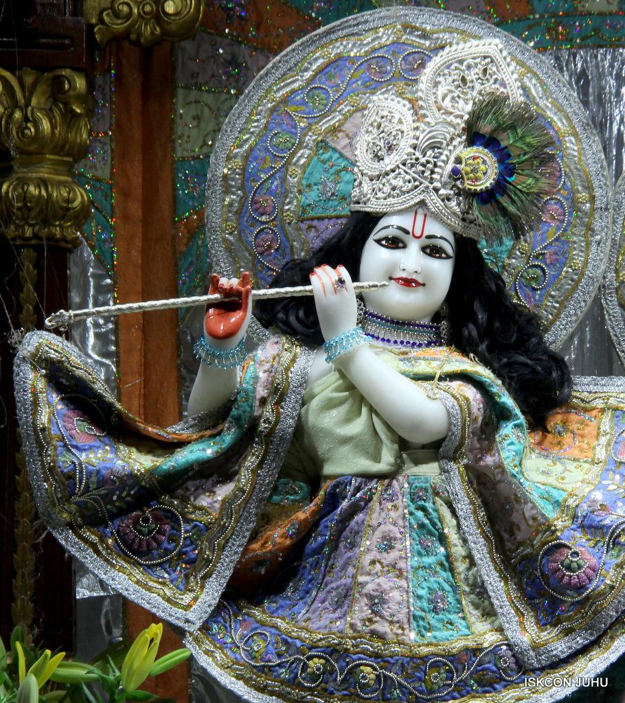 ISKCON Juhu Mangal Deity Darshan on 20th Oct 2016 (17)