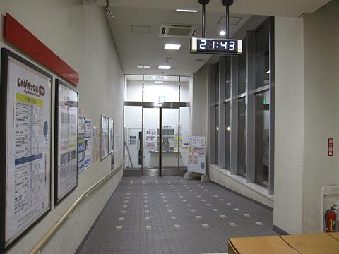 千歳駅バスターミナル 待合室内