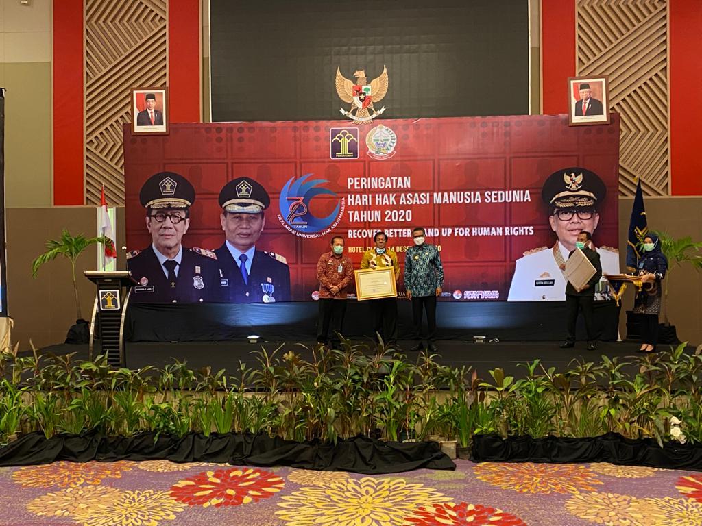 Bupati Soppeng Terima  Penganugrahan Penghargaan  Kabupaten / Kota Peduli HAM.