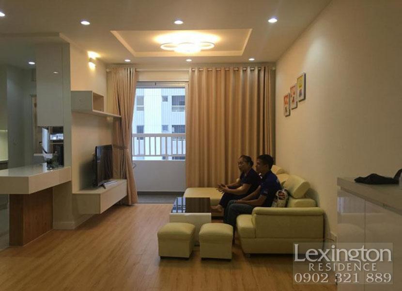 view phòng khách tại căn hộ 97m2 cho thuê