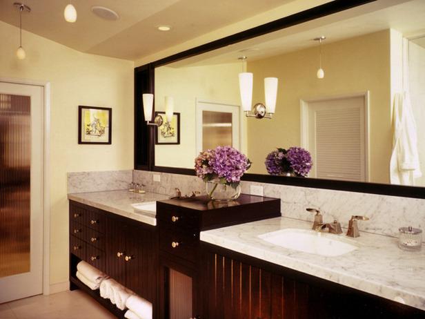 lüks ve bir o kadar da geniş tasarlanmış banyo örneği