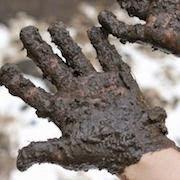 к чему снится грязь на руках?