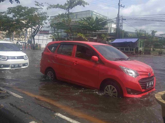 banjir di jalan a. yani banjarmasin