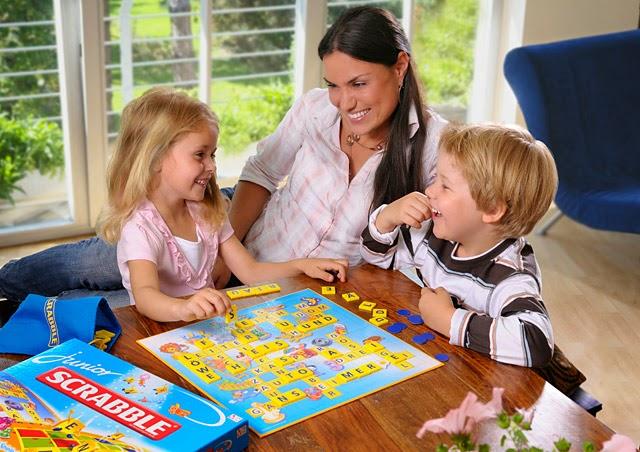 Trò chơi thông minh: Xếp chữ tiếng Anh Junior Scrabble Mattel 51319