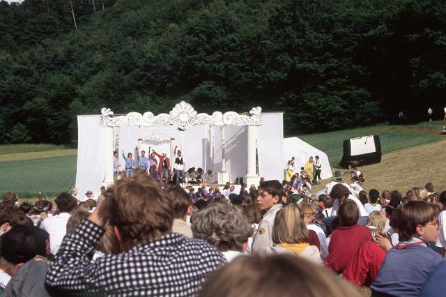 1985-1994 - 417-.jpg