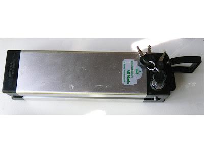 Montage d'un Dirtsurfer électrique 36V 800W E_dirtsurfer_battery_lithiu