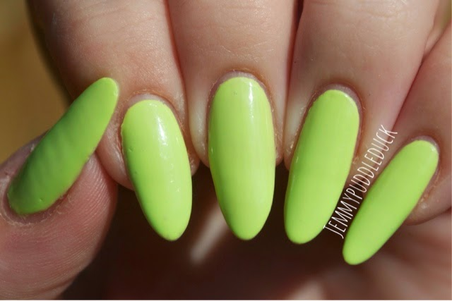 maybelline bleached neons chit chartreuse green