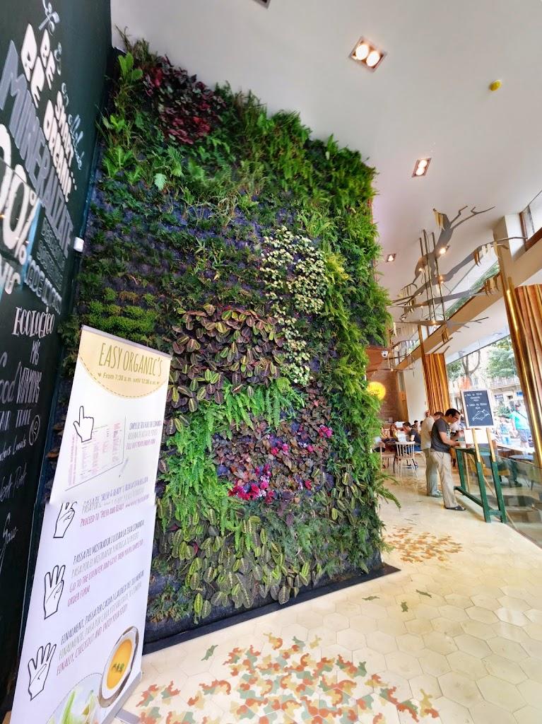 Jard n vertical en barcelona restaurante organic 39 s for Bar jardin barcelona