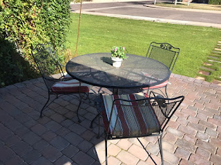 Perfect One round table with chairs