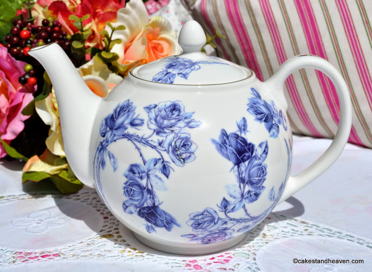 Aynsley Elizabeth Rose Blue 2 Pint Teapot