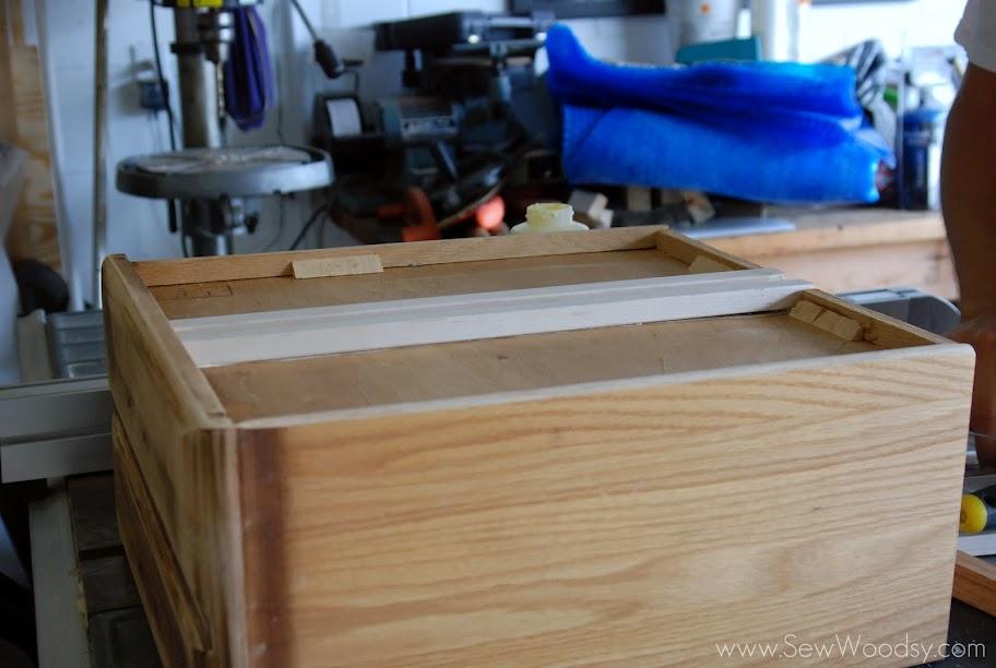 how to make wood center mount drawer slide