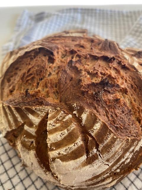 Brot selbst backen mit Dinkel und Joghurt, ohne Hefe