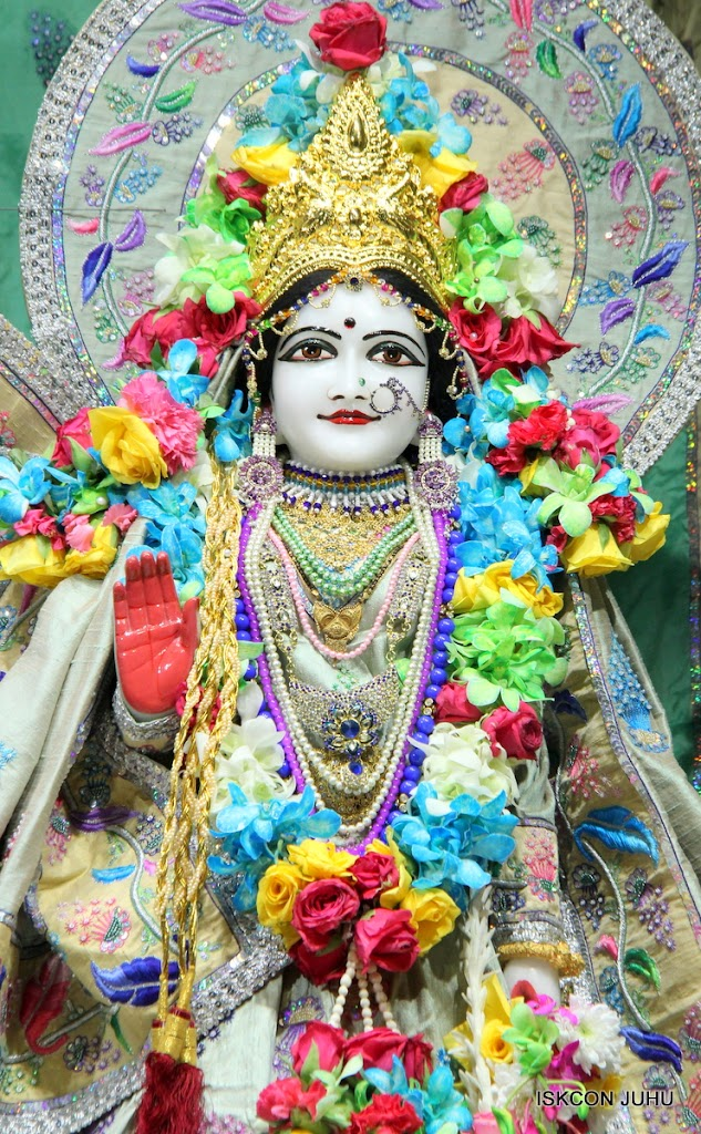 ISKCON Juhu Sringar Deity Darshan on 26th Aug 2016 (59)